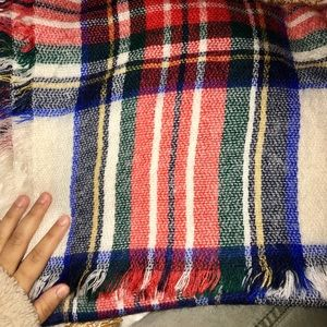 Old navy plaid scarf